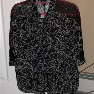 Lace Detail Printed Blouse